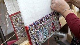 traditional-rug-weaving-864-kr-864x485_grid.jpg
