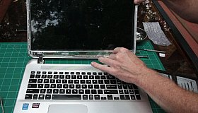 laptop_panel_grid.jpg