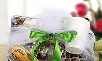 Send Gifts to Dubai At Competitive Prices | GiftsHabibi