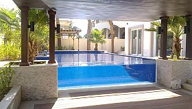 Checkout_the_stunning_Swimming_Pool_View_Panel_at_Professional_Acrylic_LLC_grid.jpg