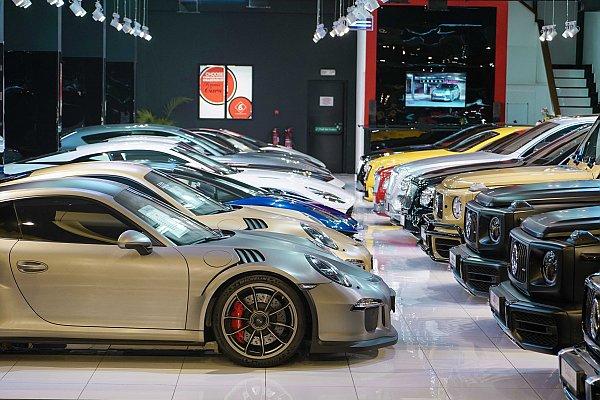 Top Dubai Luxury Car Showroom – The Elite Cars