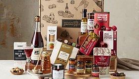 Gourmet-Extravagance-Hamper-500x375_grid.jpg